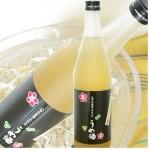 八海山梅酒1800ml【日本酒ベース】 八海山の日本酒で醸した人気の梅酒